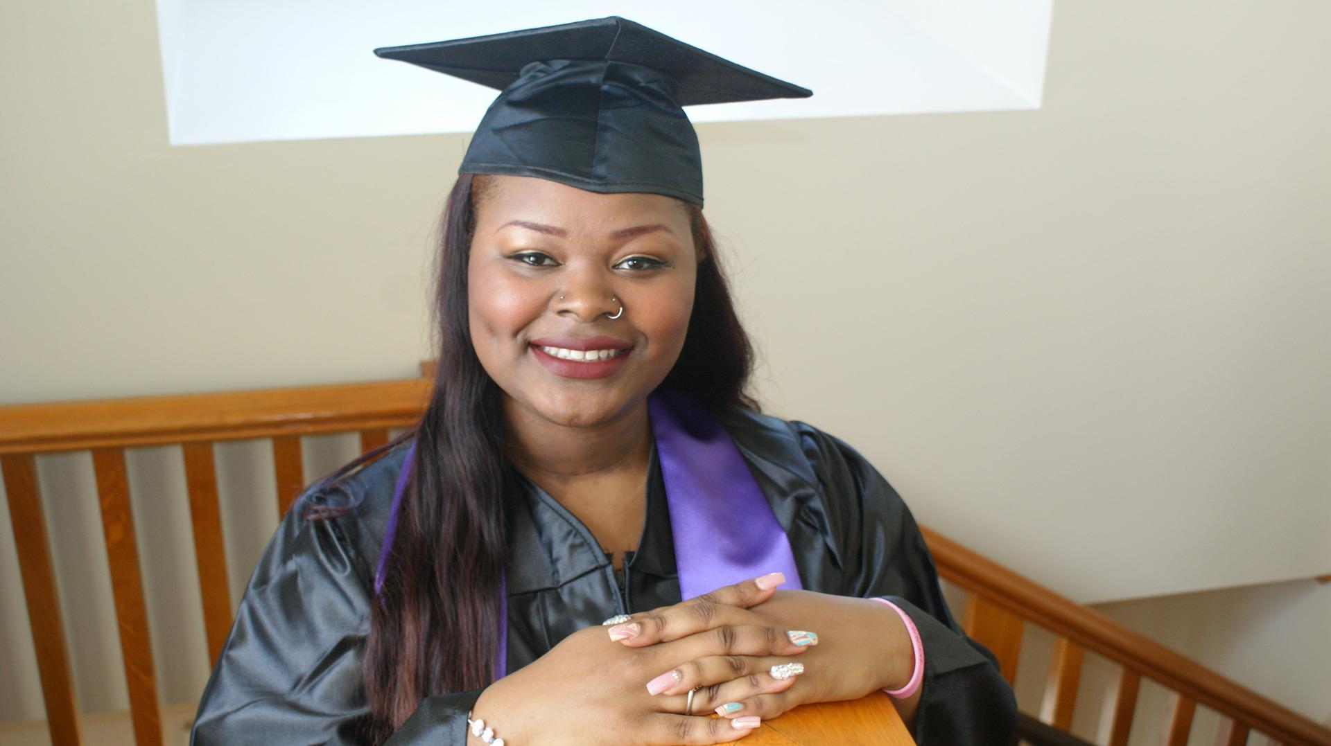 graduate-1440192_1920
