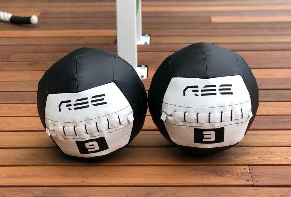 Комплект медицинских мячей 3-6-9 кг
