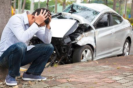 nabourané auto zoufalý řidič