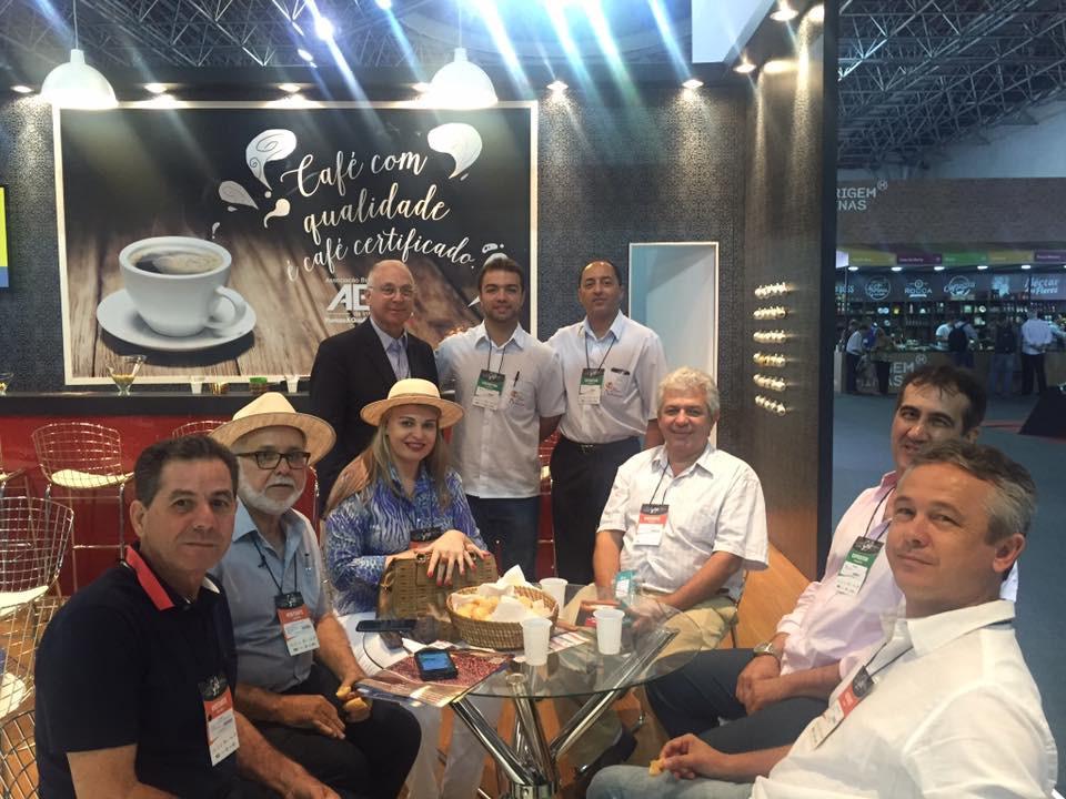 Márcio Reis Maia, no canto direito, na Semana Internacional do Café 2016