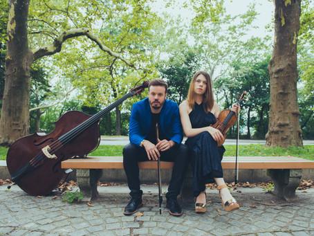 Conéctate a la función digital de Tessa Lark (violín) y Michael Thurber (contrabajo) (USA)