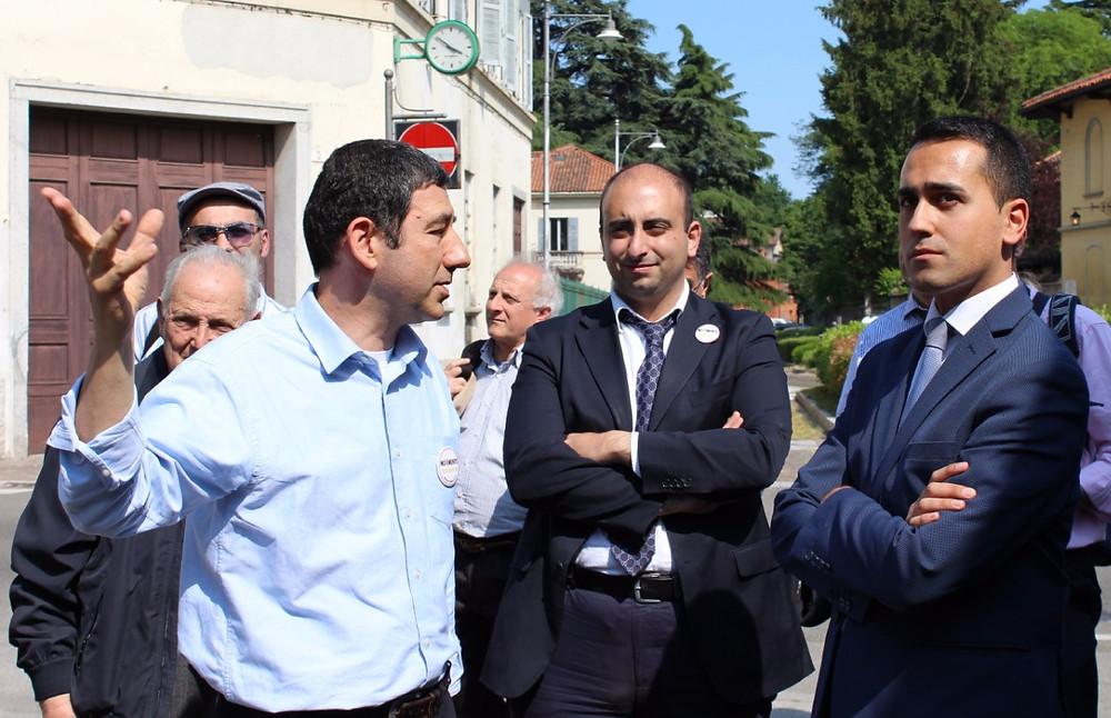 Di Maio e Sartini osservano l'area ex-ospedale