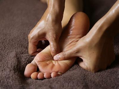 footmassage -1000x750.JPG