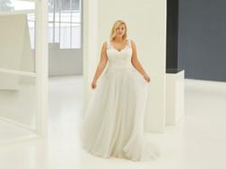 Curves - Robe Monica