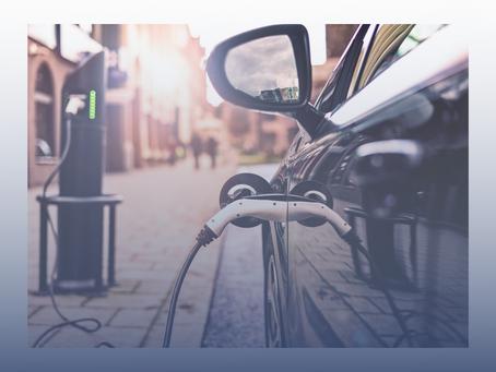 Hybrid- / Elektro-Dienstwagen - Aufladen im Betrieb und zuhause - Was Sie beachten müssen