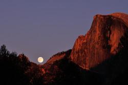 Moon Rising (DSC_0827.jpg)