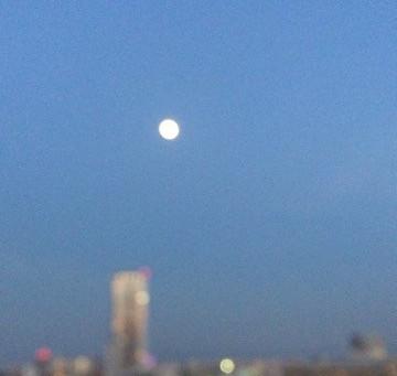 地球に大接近となる牡牛座満月