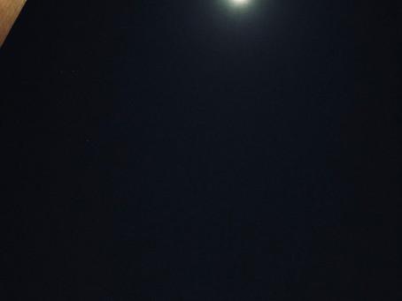 2017年最後の満月は双子座でスーパームーン