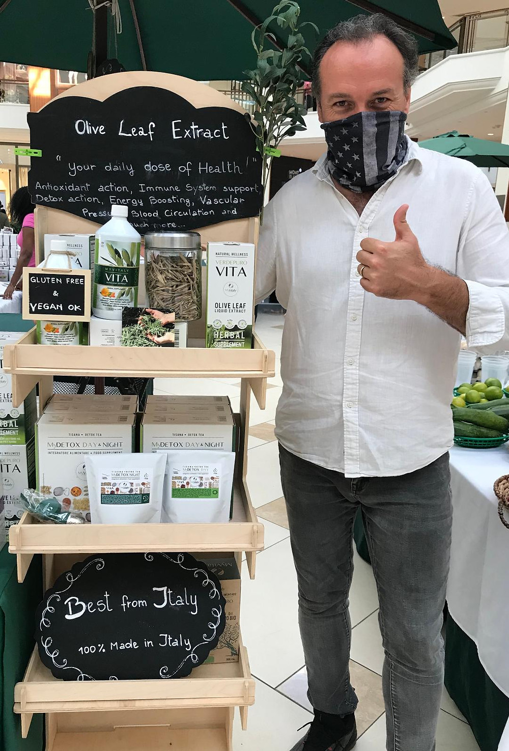 Marco Zanna at Aventura Mall promoting the healthy benefits of the olive leaf