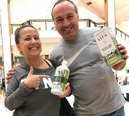 olive leaf extract happy customer in Aventura Mall