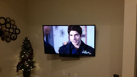 Navarre TV Wall mounting, hom theater, tv installation, tv installer