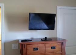 Crestview FL_articulating TV wall mount 318