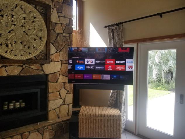 TV Wall Mounted with soundbar Niceville FL