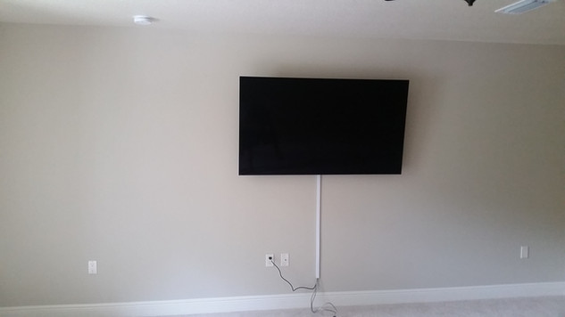 Crestview FL TV Mounted wire molding