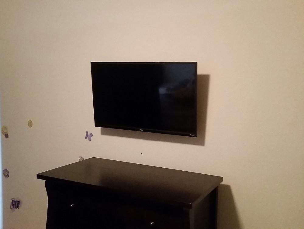Tilt Mounted TV