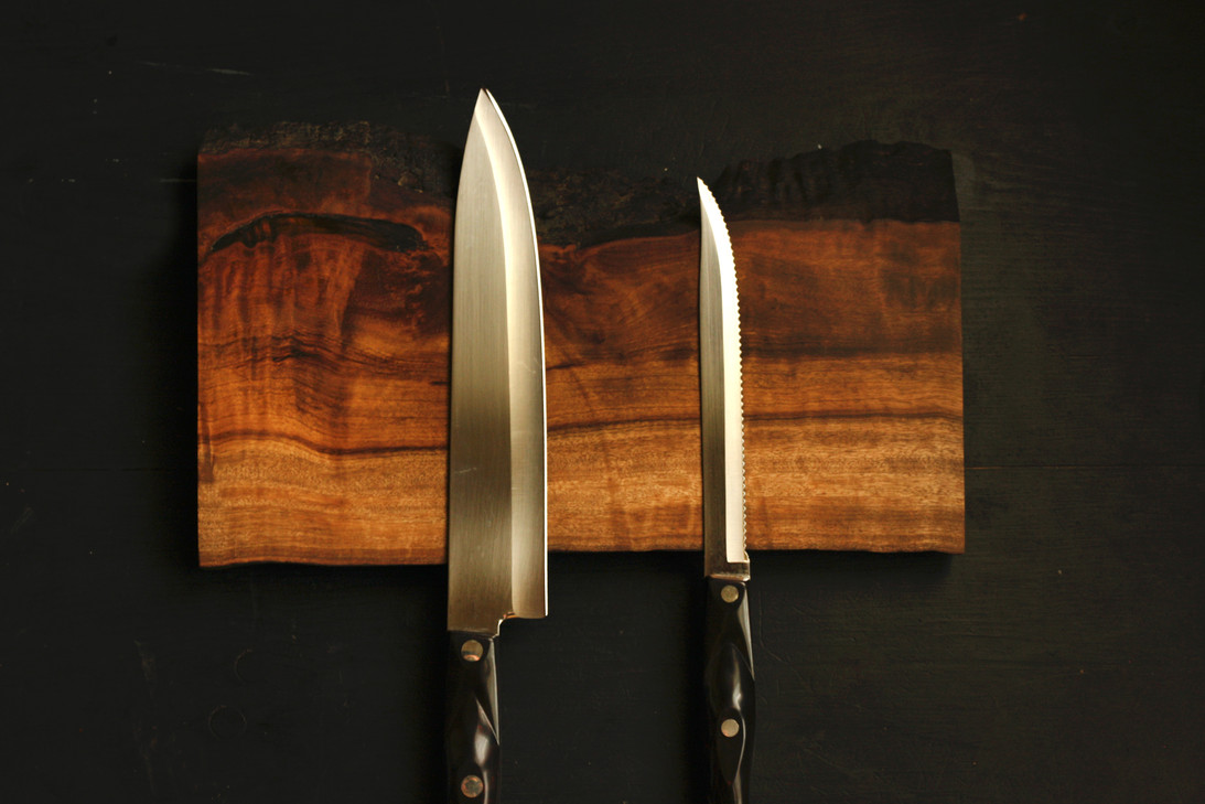Myrtlewood Knife Magnet