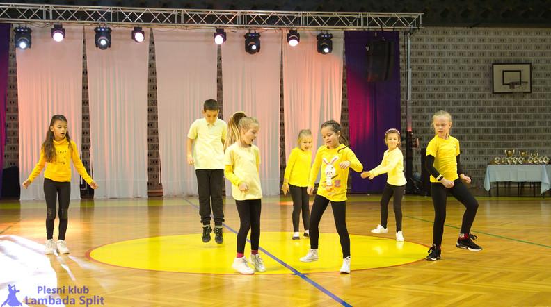 Split dance open 4