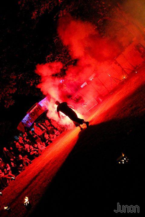 jonglage pyrotechnique - cracheur de feu - jongleur - artiste de rue - Nantes - mariage