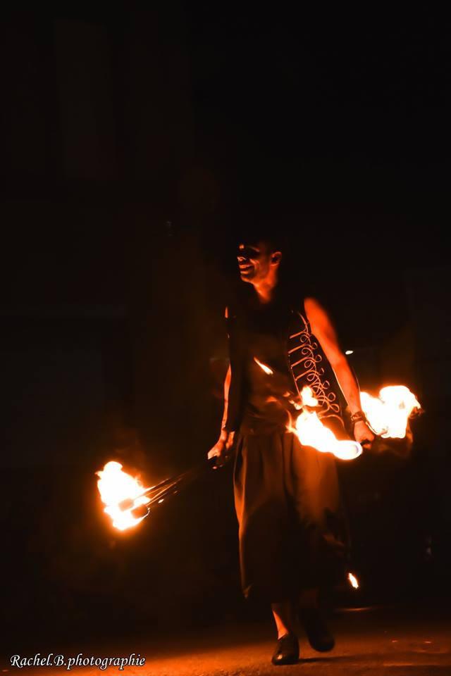 artiste de feu - spectacle de rue