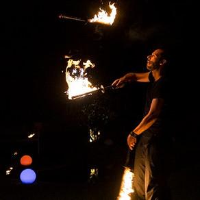 Ça va jongler et faire des flammes à Tours le 11 mai !