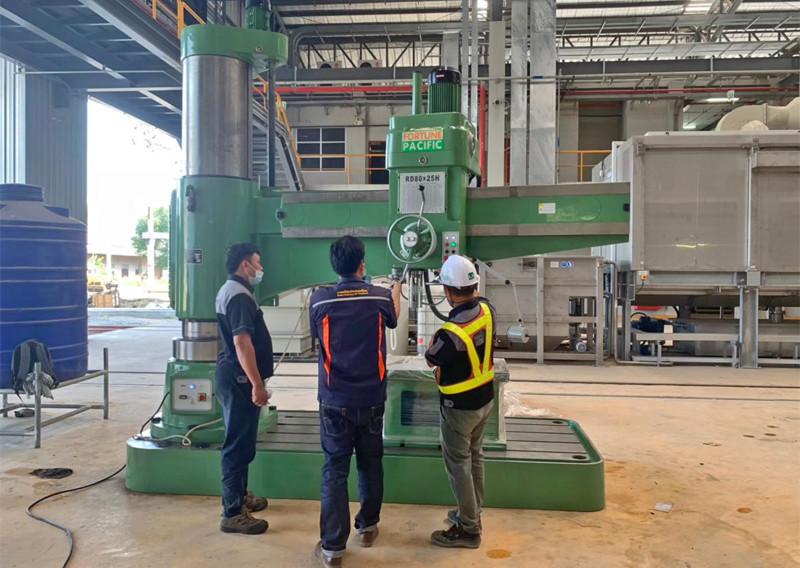 radial_drilling_machine_01jpg