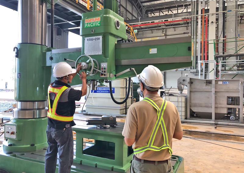 radial_drilling_machine_02jpg