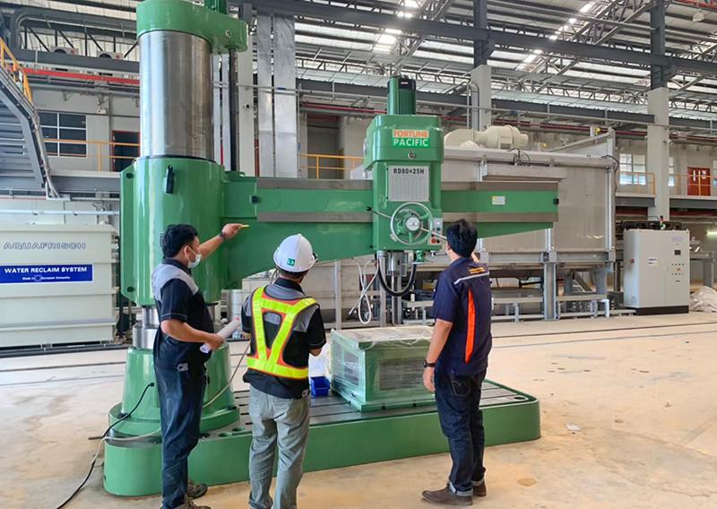 radial_drilling_machine_07jpg
