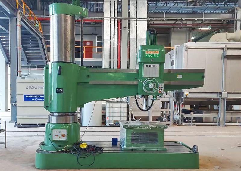radial_drilling_machine_08jpg