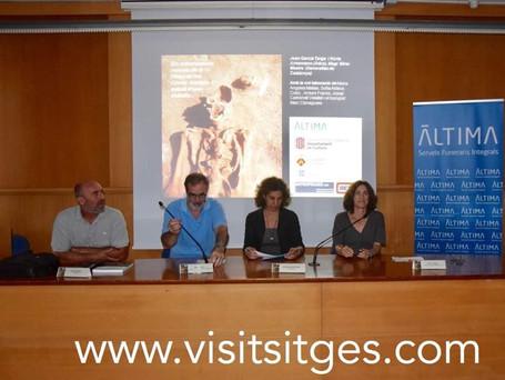 Conferencia Ayuntamiento de Sitges (entierros romanos -Punta de les Coves