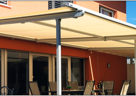 How do Retractable Awnings Work?