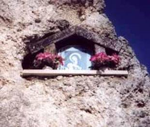 Madonna_cave-1.jpg