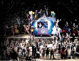 The Opening Scene of 'Pagliacci' directed by Franco Zeffirelli