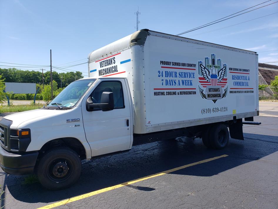 Veteran's Mechanical Box Truck (2).jpg