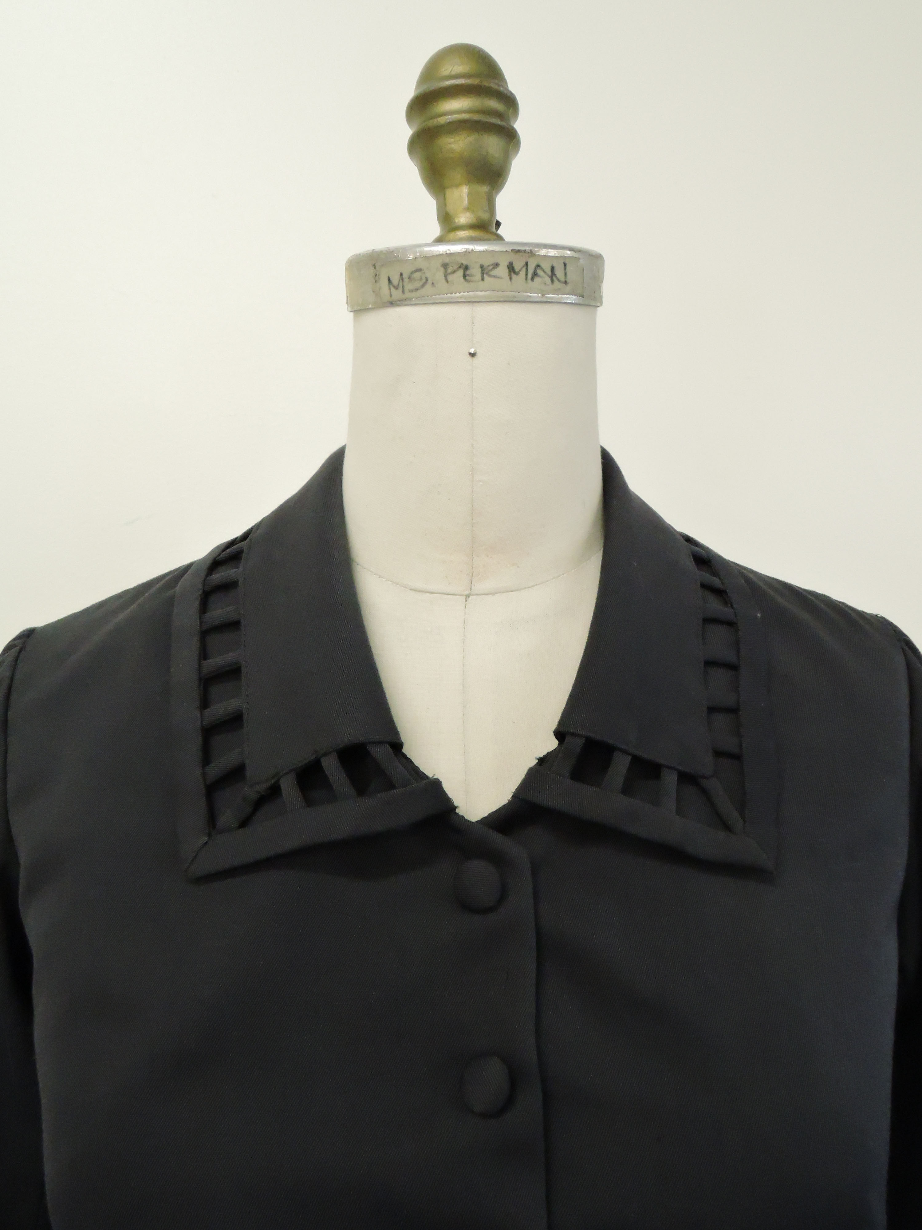 Collar Detail