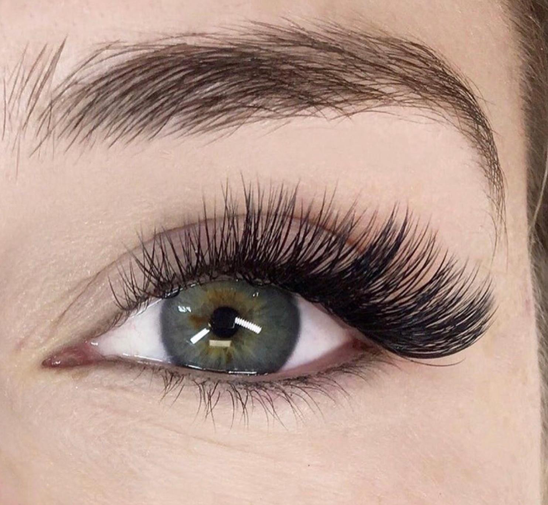 Volume Eyelash Extensions - Full Set