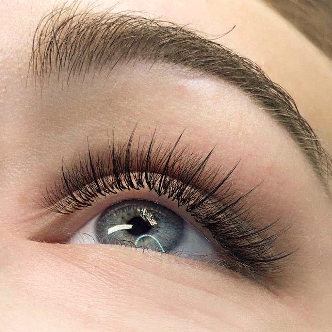 Classic Eyelash Extensions - Full Set