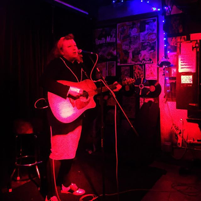 Flashback to Freddy's _Thx for the photo _instaschon 🖤_#freddysbar #americana #rubyraeandfriends #n