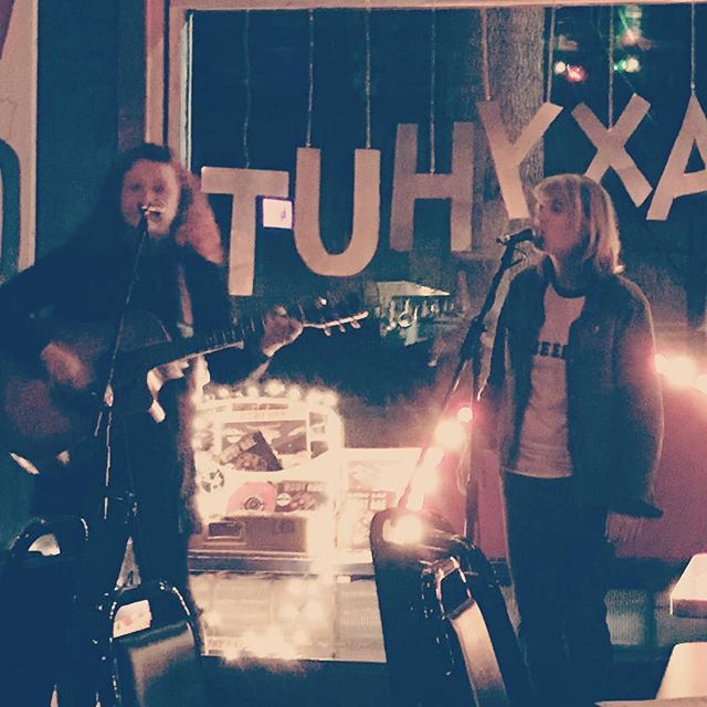 Cute pic by _saidsongs from last night's show at The Galaxy Hut, thanks! ・・・_Really glad I dragged m