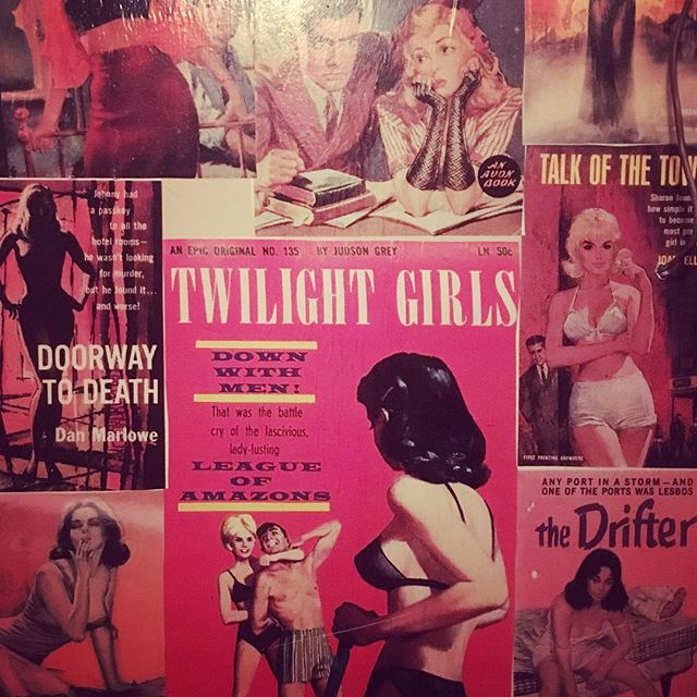 Love the pulp bathroom at RaR bar #sultry #drifter #rubyraetheuncanny #voodooqueenmusic #rubyraemusi