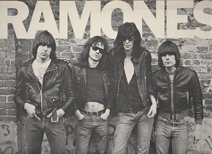 RAMONES Top (2).jpg