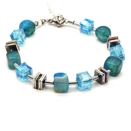 Armbånd med krystaller og agater