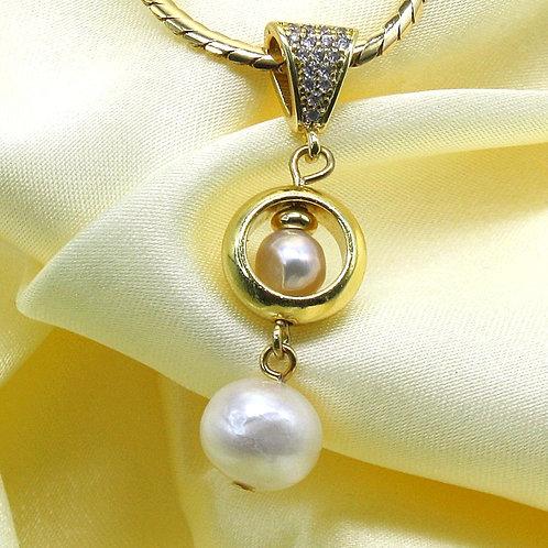 Guld vedhæng med perler