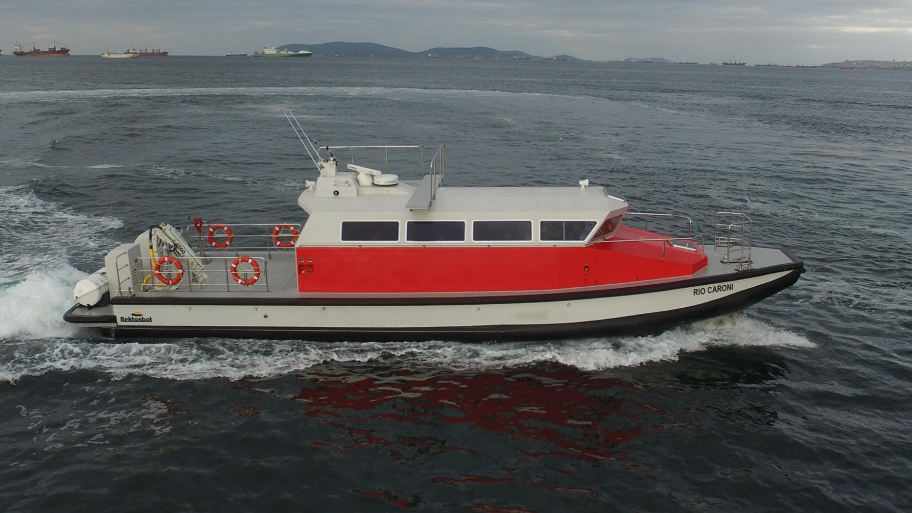 18,4 m Crew Boat