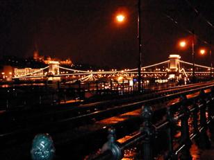 Chain Bridge at night