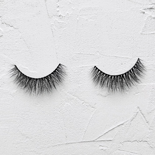 Lashes in 'Deepika'
