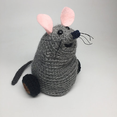 Mew the Mouse Christmas Toy Amigurumi Pattern