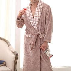 Men Winter Flannel Thick Soft Bathrobe-US$34.90
