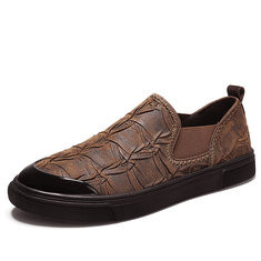 Men Toe Protective Elastic Slip On Casual Loafers-RM221.48