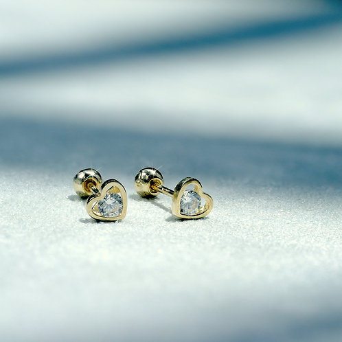 10 Karat Shining Heart Studs in Yellow or White Gold