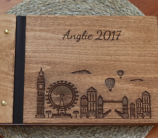 Dřevěné fotoalbum